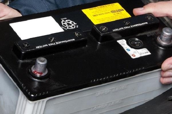 replacing prius 12v battery